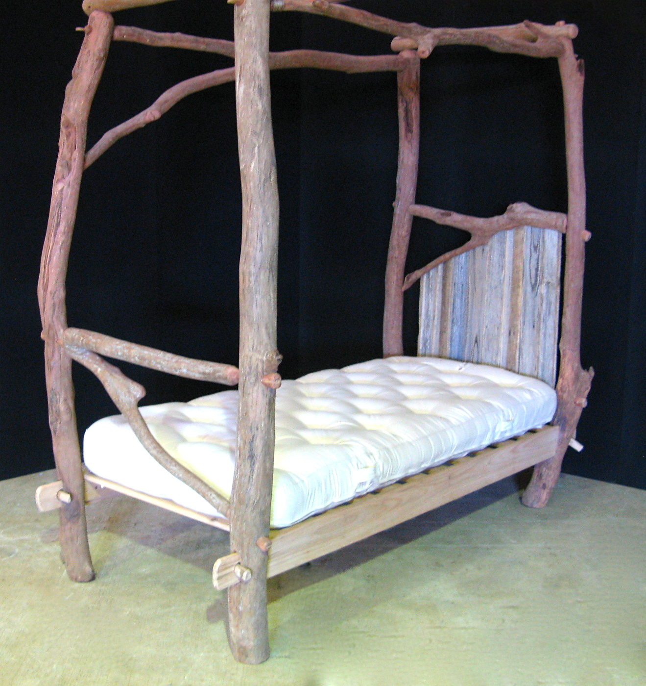 single 4 poster bed