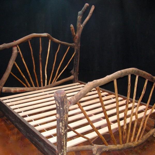 King Grey Iron Bark bed