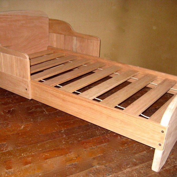 Sleigh Bed 1